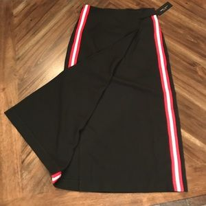 NWT Romeo and Juliet Couture Juniors Wrap Skirt